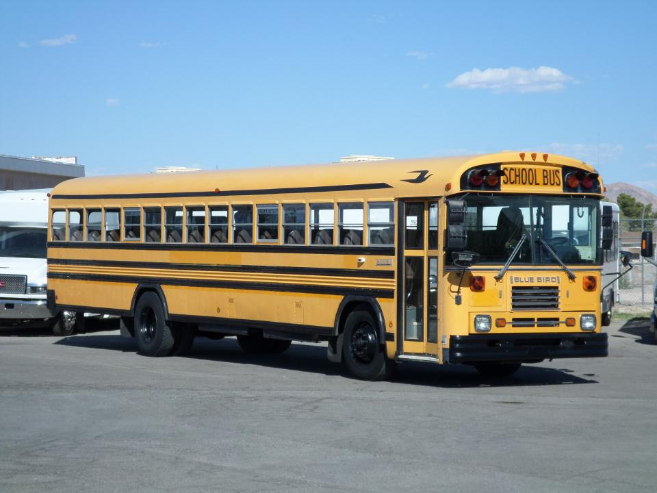 1999 Blue Bird TC2000 Front Engine School Bus B82418