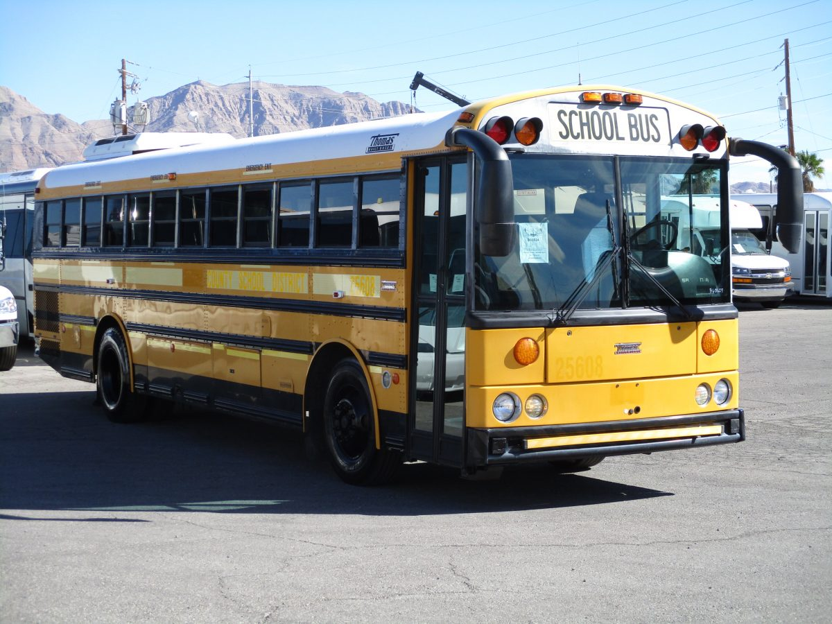 2005 Thomas Saf-T-Liner School Bus B60624