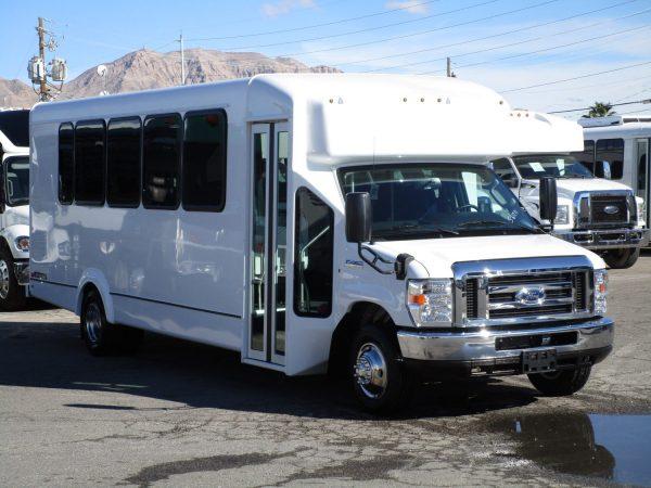 2019 ElDorado Advantage Shuttle Bus Passenger Side Front