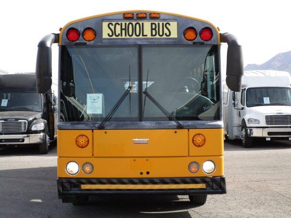 2005 Thomas Saf-T-Liner HDX School Bus Front