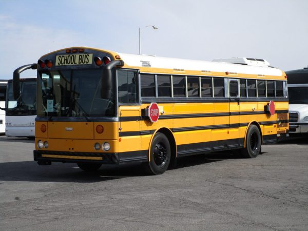 2005 Thomas Saf-T-Liner HDX School Bus Drivers Side Front