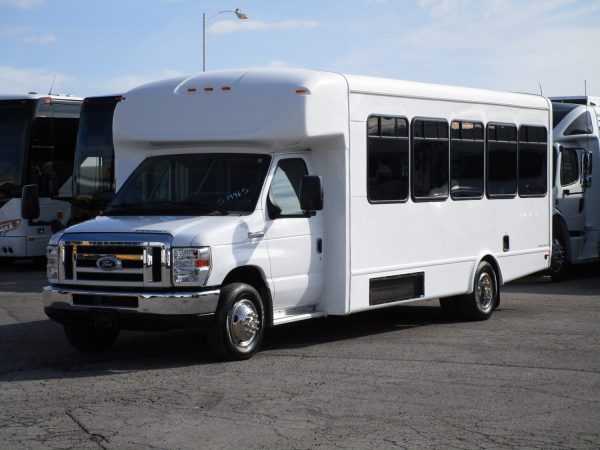 2015 Starcraft Allstar Shuttle Bus Front Drivers Side