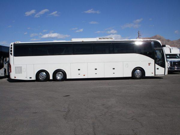 2014 Volvo 9700 Luxury Highway Coach C67539 Passenger Side